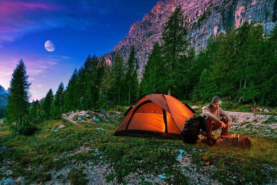 5 Basic Tips For Your Next One-Person Camping Alone Trip