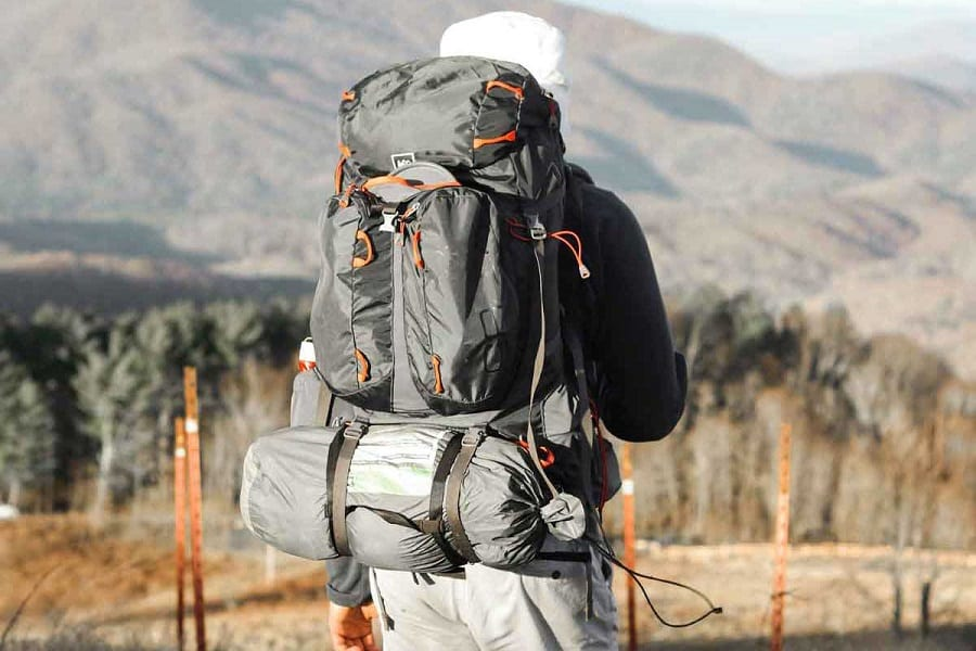 3 Simple Steps On How To Pack A Backpack