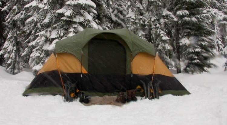 four season tent on snow